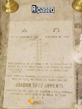 Lápida Cura Joaquín Soto